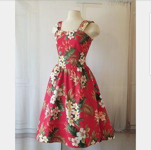 Vintage Cotton Floral Print Dress. 😍😍